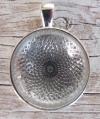 Metall-Anhänger mit Cabochon rund silber